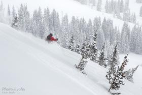 PJ-ski-powder-atmosphere