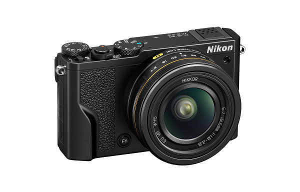 Nikon DL18-50 Point-and-Shoot - Angle View