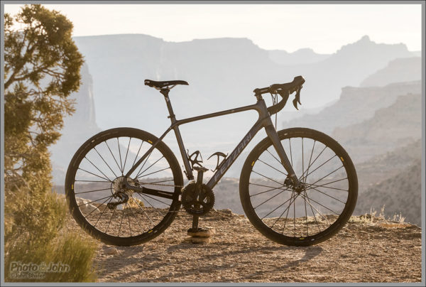 The Fezzari Shafer GR Gravel Road Bike
