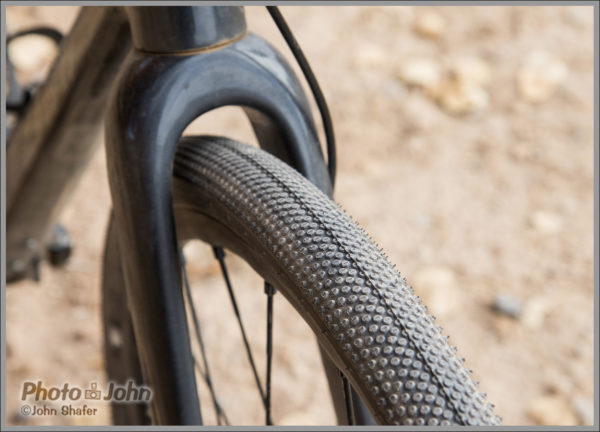Fezzari Shafer Gravel Bike - 40mm Tires